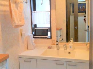 洗面リフォーム 収納力が大幅にアップし、使いやすくなった洗面所